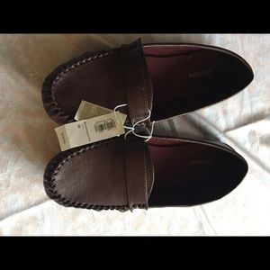 NWT Burgundy Loafers-Size 10